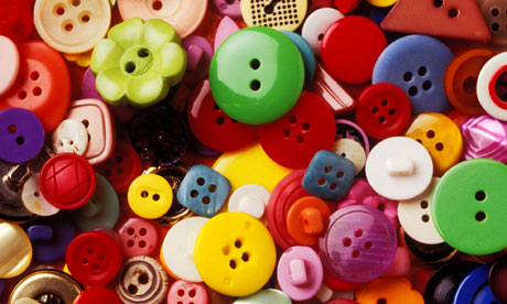 A-collection-of-buttons-001